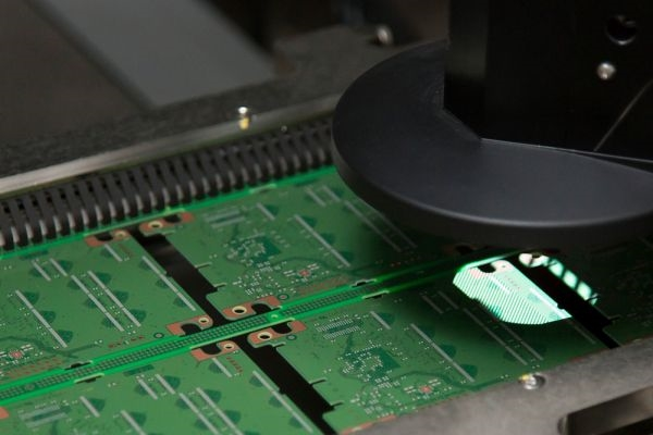 Crucial MX500 mit effizientem Micron 3D NAND bei computeruniverse kaufen