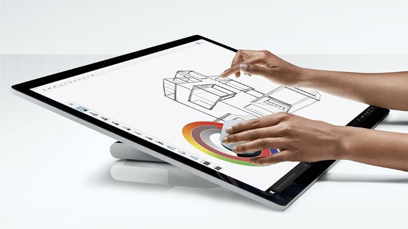 Microsoft Surface mit Zero Gravity Gelenk bei computeruniverse kaufen