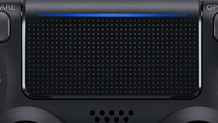 DualShock 4 v2 mit Lichtleiste im Touchpad